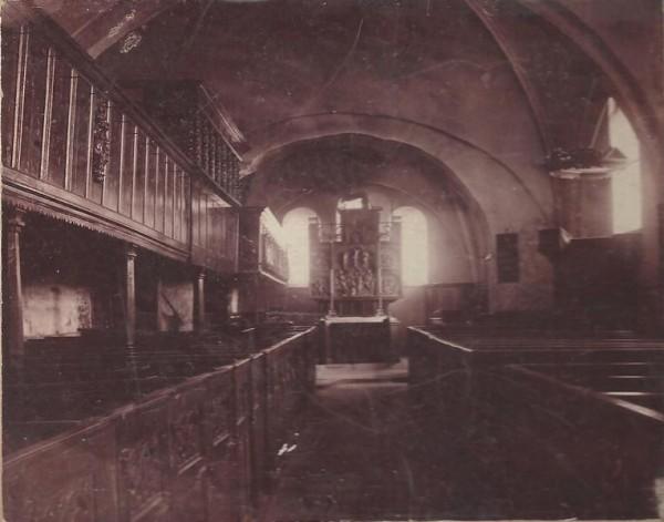 Innenraum der Stuhrer Kirche 1911 oder später.