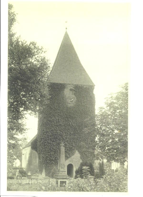 Der Stuhrer Kirchturm 1963 oder früher.