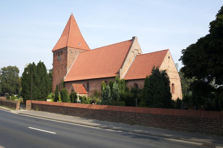 Der Blick auf die Kirchensüdseite