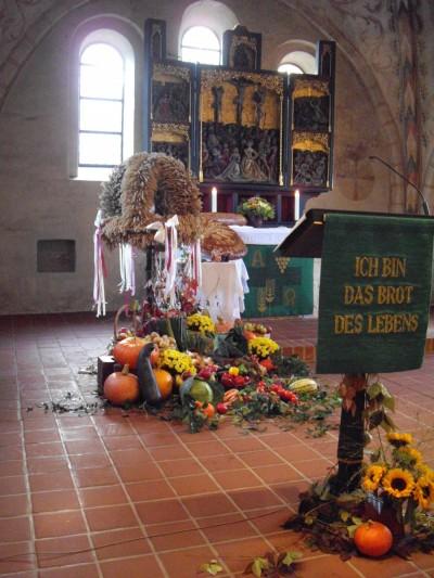Der geschmückte Altarraum
