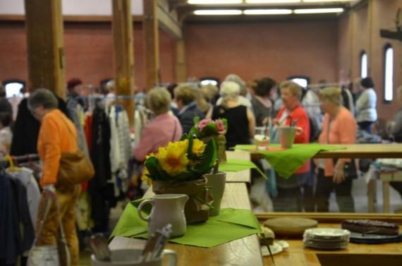 Frühlings-Frauenkleiderflohmarkt 2017