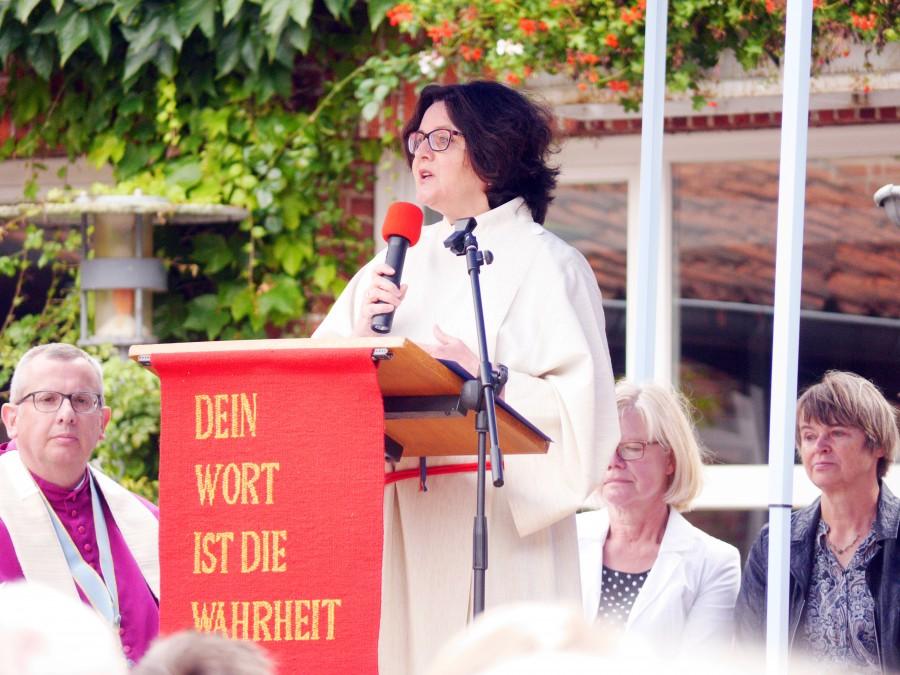 Frau Gabriele Lachner, Ökumene Beauftragte, skizzierte in ihren Worten die Notwendigkeit der Verständigung.