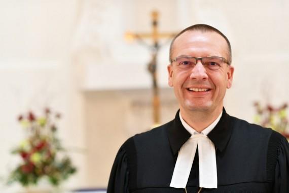 Bischof Thomas Adomeit wurde eingeführt